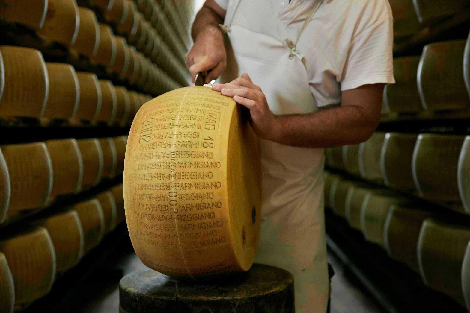 Parmigiano Reggiano: vendite a +6,1% nel primo semestre. Ma il prezzo è in forte calo