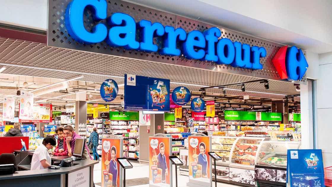 Carrefour, trimestre in crescita del 4%. In Francia pesano gli effetti del Green Pass